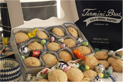 Amaretti Cookie Box