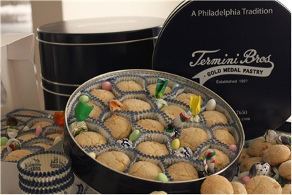 Amaretti Cookie Tin